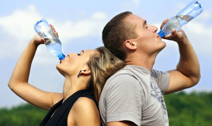 Vì sao nên uống nước đủ mỗi ngày